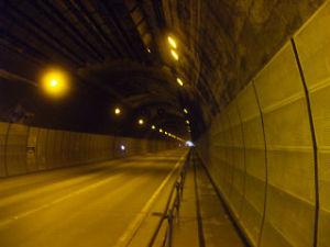 新吹上トンネル内