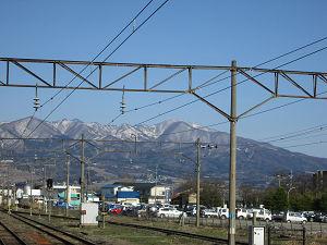 喜多方駅のホームから磐梯山方面