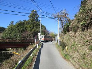 粟又の滝に向かう小湊バス
