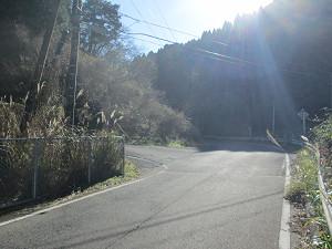 県道178から宇野辺神社方面への分岐