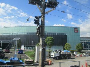 車窓からのバンダイの工場