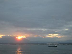 樽前山に沈む夕陽
