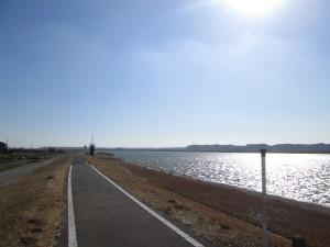 常陸利根川自転車道は続く